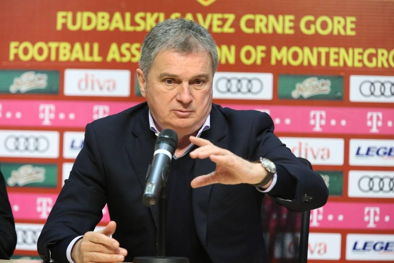 塞尔维亚足协在官网宣告,和国家队主帅图巴科维奇完结解约