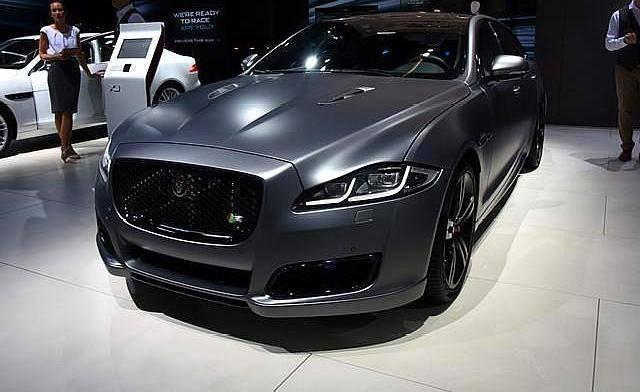这款原装豪华大轿车搭载3.0T V6发动机,加速100公里仅需5.9秒