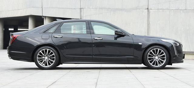 原厂的,快速的,真正的豪车5米多长,10AT,比3系便宜