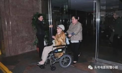港剧名角李香琴去世,林峯晒亲吻照,和红颜知己男星相隔3月离开  第11张