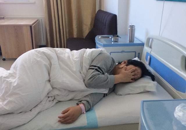 """耻骨痛到底有多痛?孕妈疼到快""""散架"""",临产期更是每天要被折磨"""