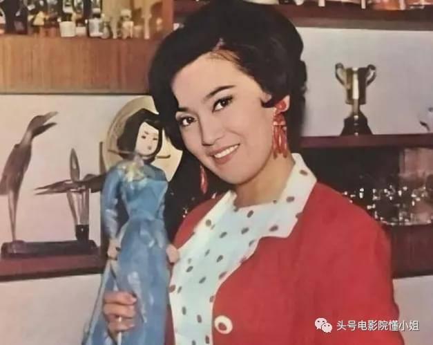 港剧名角李香琴去世,林峯晒亲吻照,和红颜知己男星相隔3月离开  第21张
