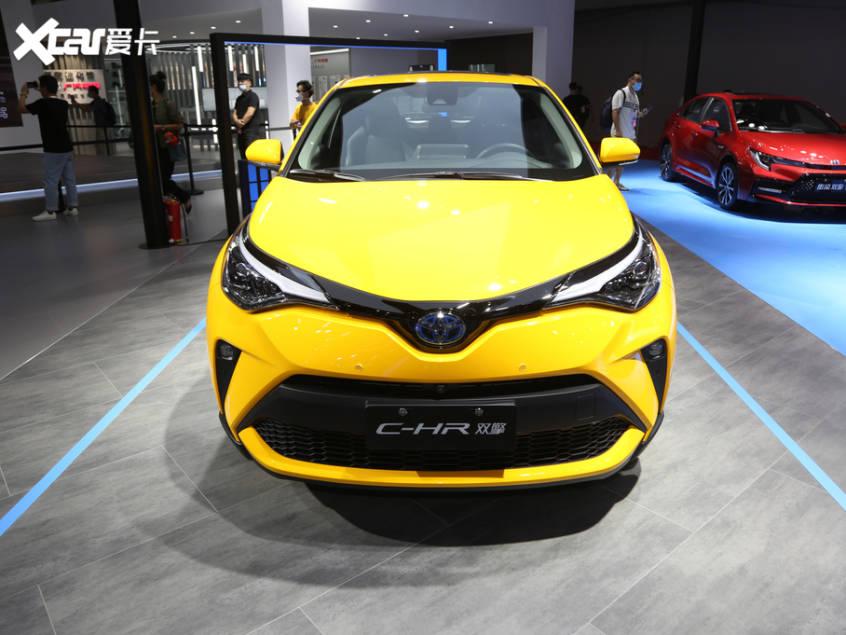 最初的新丰田C-HR在今年上半年推出,增加了双引擎版本。