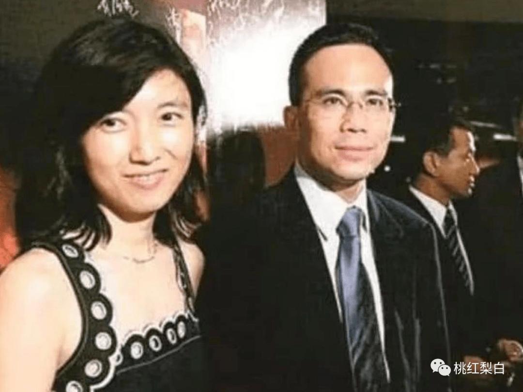 24岁就嫁入香港第一豪门,低调的王俪桥是最好命的原配太太?  第17张