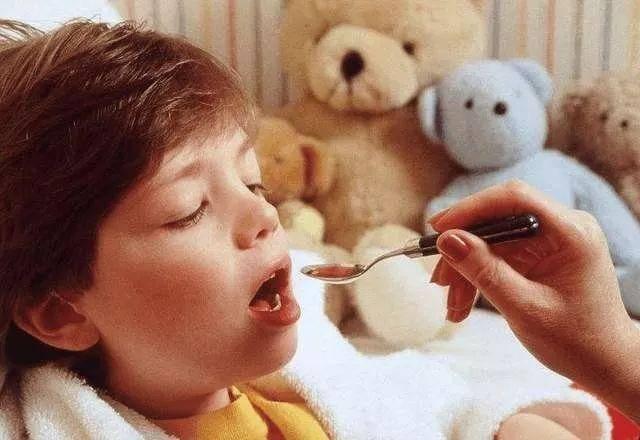 医生误开癫痫药致女童失明,儿童用药安全需要注赢咖4代理意哪些事?