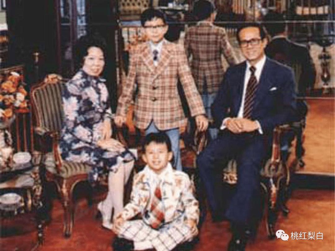 24岁就嫁入香港第一豪门,低调的王俪桥是最好命的原配太太?  第9张
