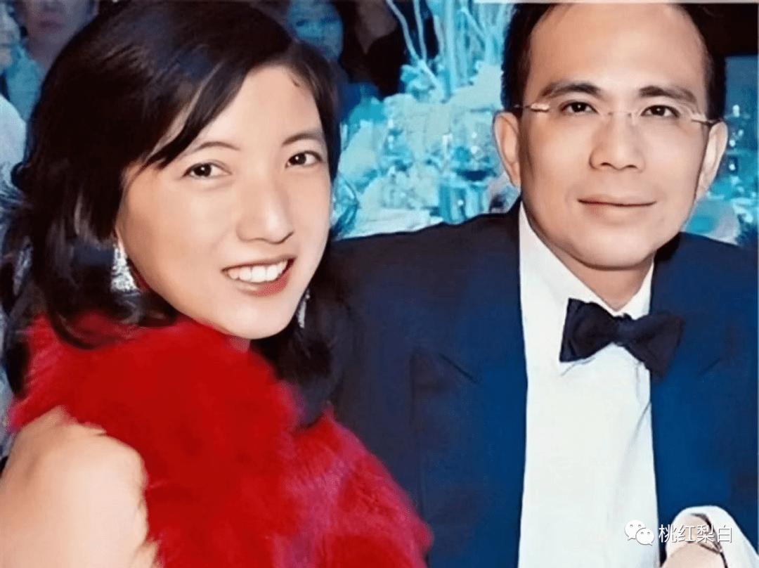 24岁就嫁入香港第一豪门,低调的王俪桥是最好命的原配太太?  第15张