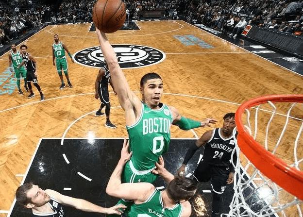 不见詹姆斯!五年后NBA最佳阵容,他们或统治联盟!