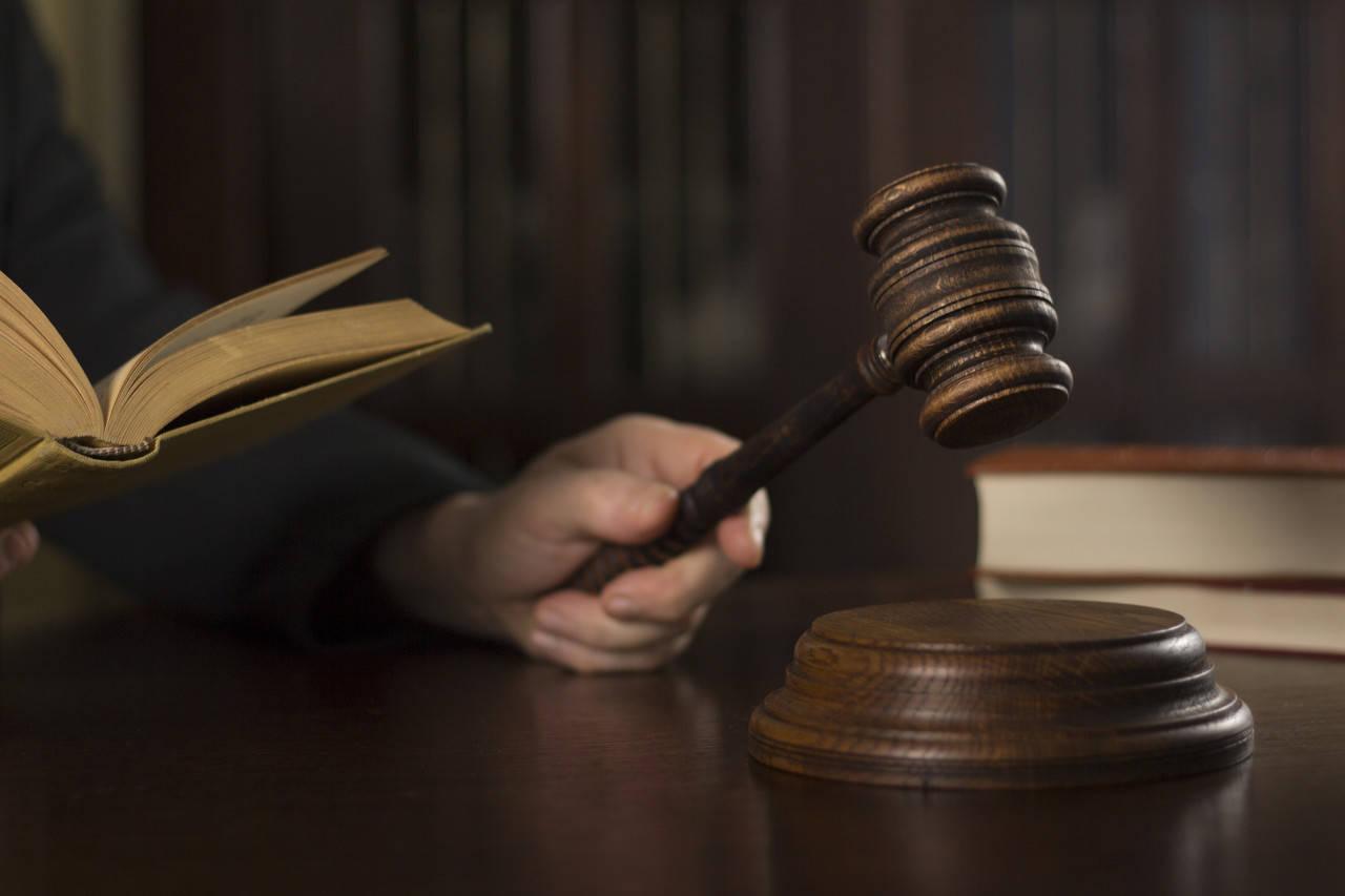 患艾男子强奸15岁女生获刑五年引争议,轻判还是合理?