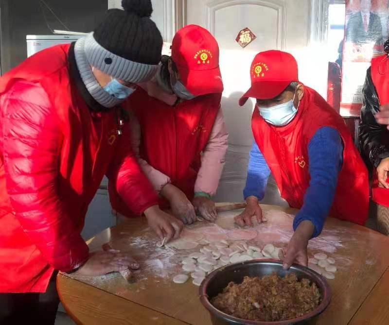 富裕县:志愿服务送真情爱心饺子暖人心