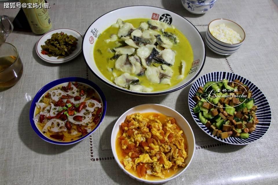 我家晚饭就是这样吃的,好吃又好吃又有营养,吃着舒服,很受家人的喜爱