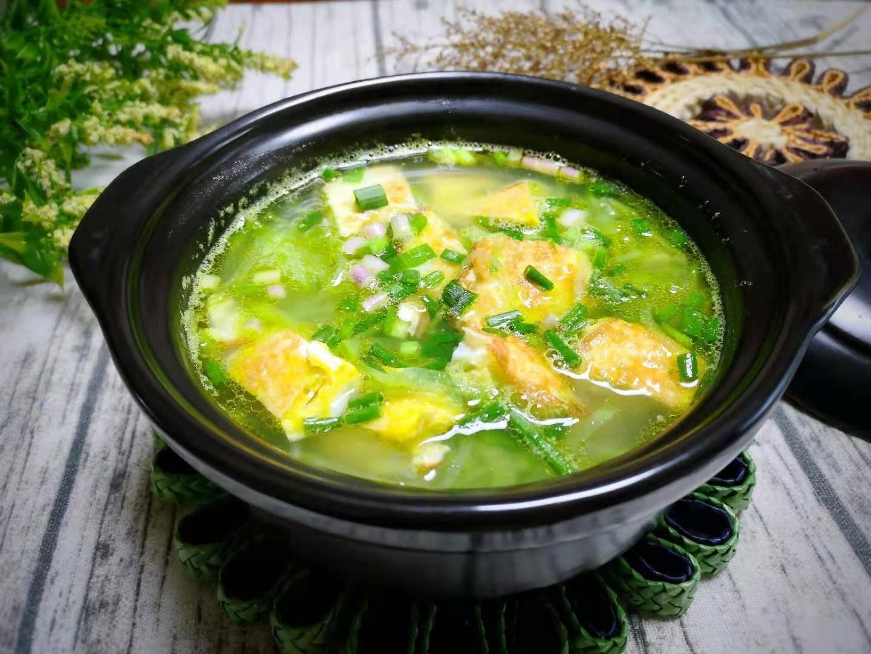 原来这汤冬天可以喝,但是不到5块钱。好吃,又暖又滋补,好吃!