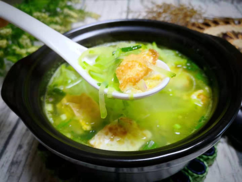 这汤冬天可以多喝,花不了5块钱,汤鲜味美,暖身又滋补,好喝!