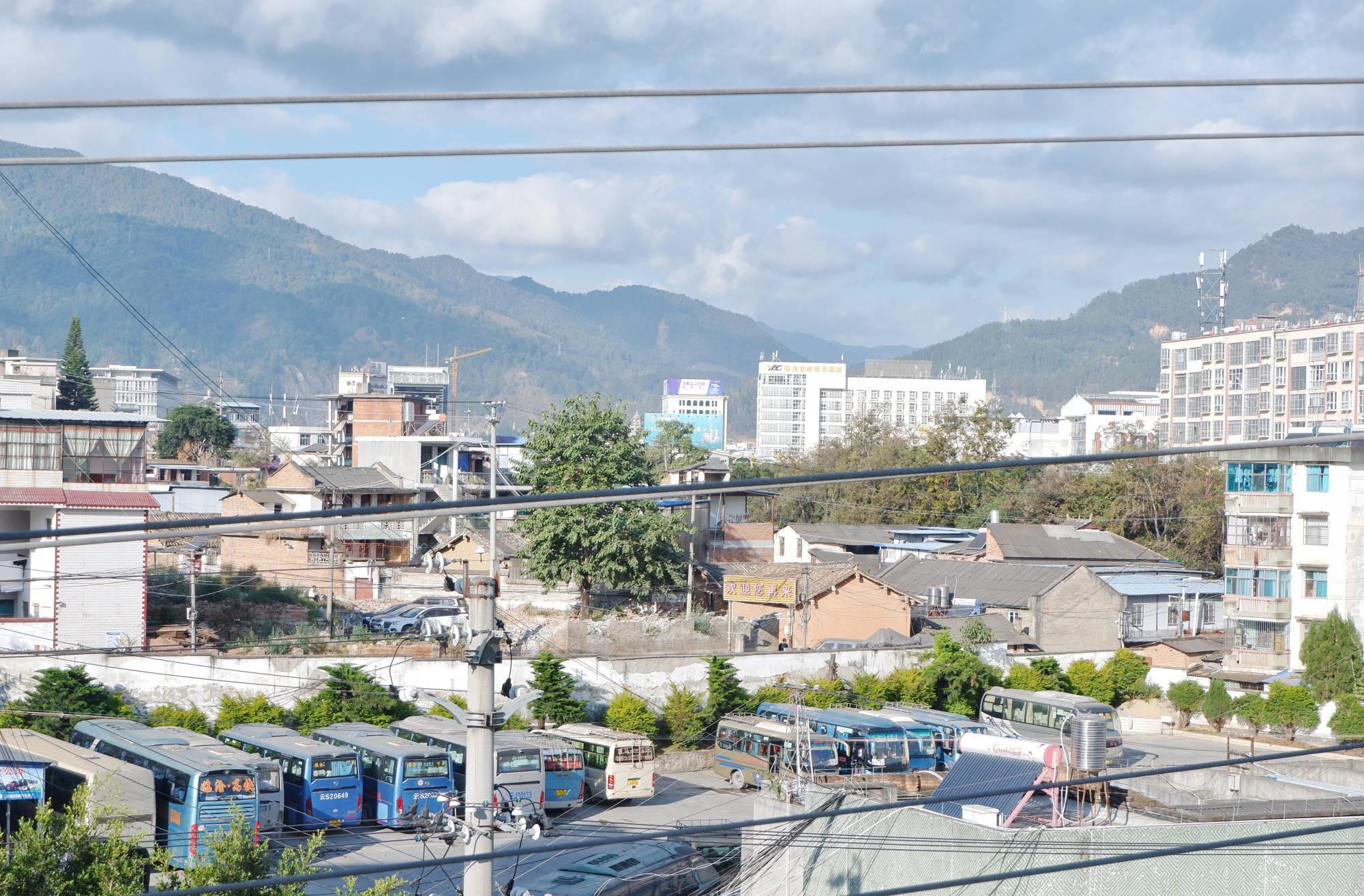 云南没有高速公路的城市,终于通了第一条高速,去昆明只需4小时