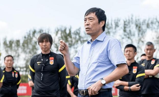 曝中国足球协会不奢求国足能进世界杯赛李铁领队进12强算达到