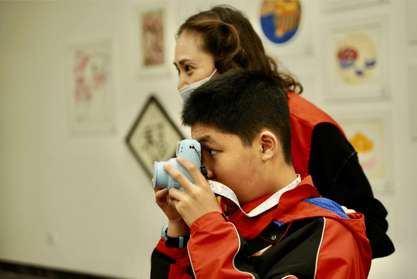 推开春天的窗——2021世界自闭症关注日主题展览及摄影工坊体验暖心举办