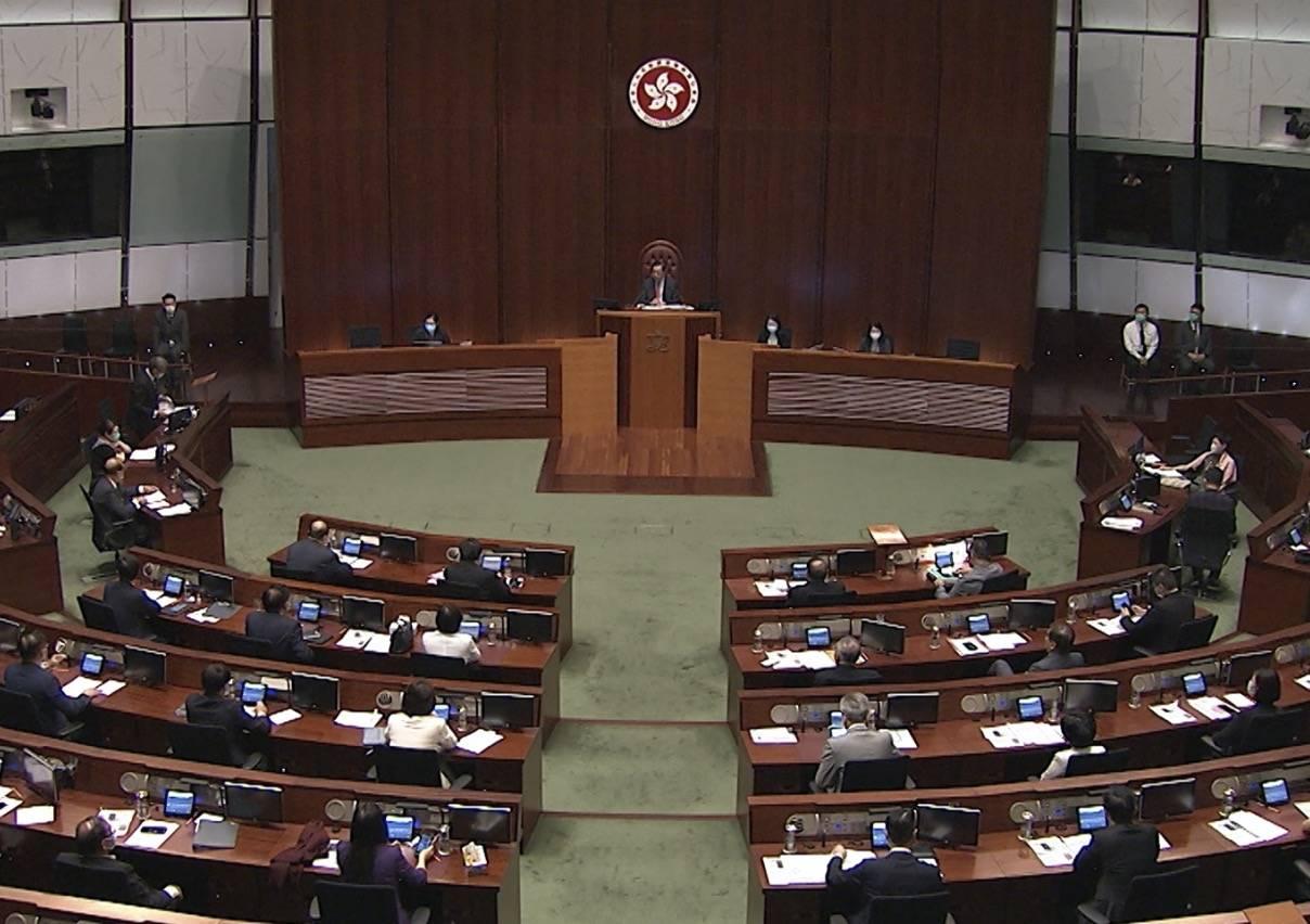 香港立法会通过财政预算案拨款 财政司司长表示