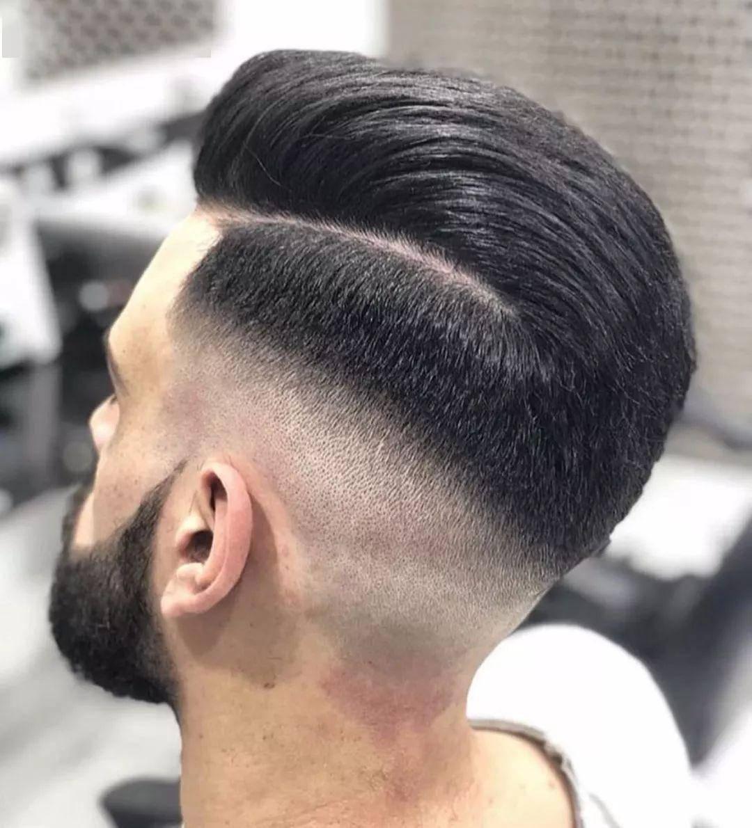2020最潮的发型男短发 !