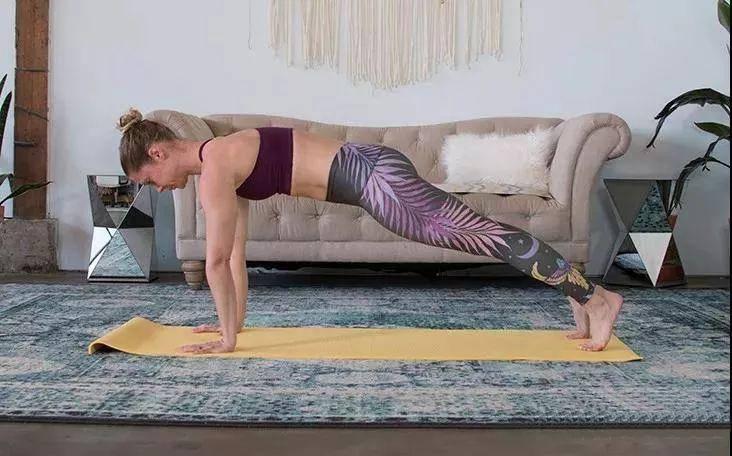 瘦身排课必备:5个瑜伽体式变体,疯狂燃脂!燃烧卡路里!(附动图)