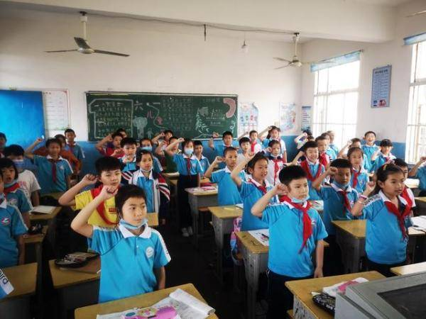 庐山市第二小学:特殊的节日别样的精彩