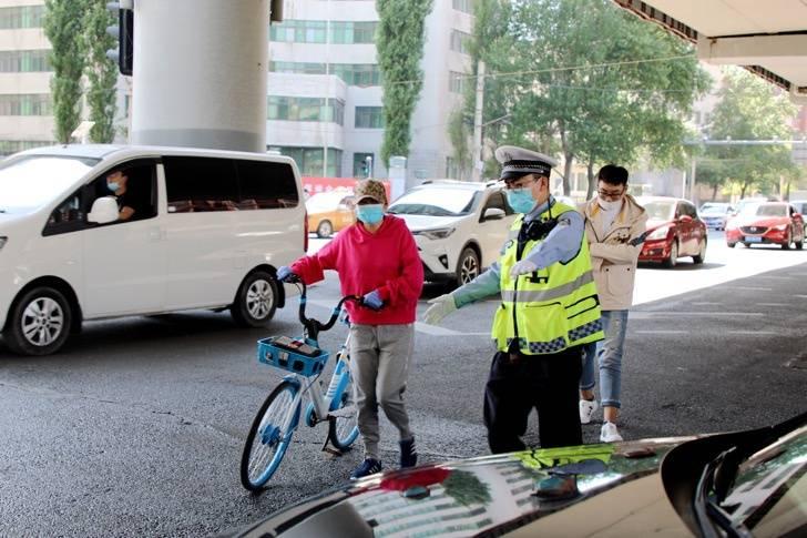 黑龙江哈市交警集中治理非机动车以下行为全罚!