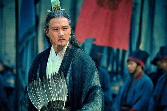 """刘禅成年后,""""忠臣""""诸葛亮为何不还政,且入宫面圣带士兵百名?"""