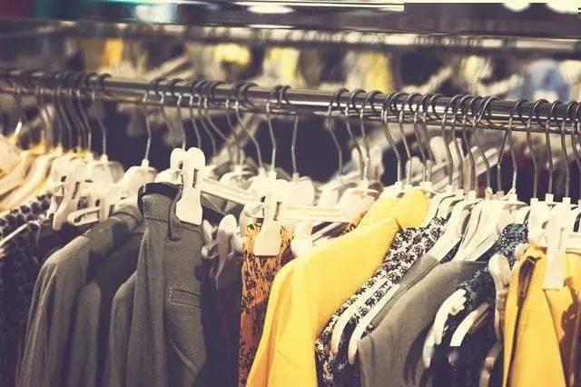 屯着,甩卖还是转移?欧美时尚零售商正在与堆积如山的库存做斗争
