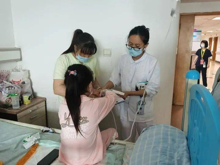 """10岁女孩大小便失禁,每天坐在马桶上度日!浙大儿院专家让她重获""""新生""""……"""