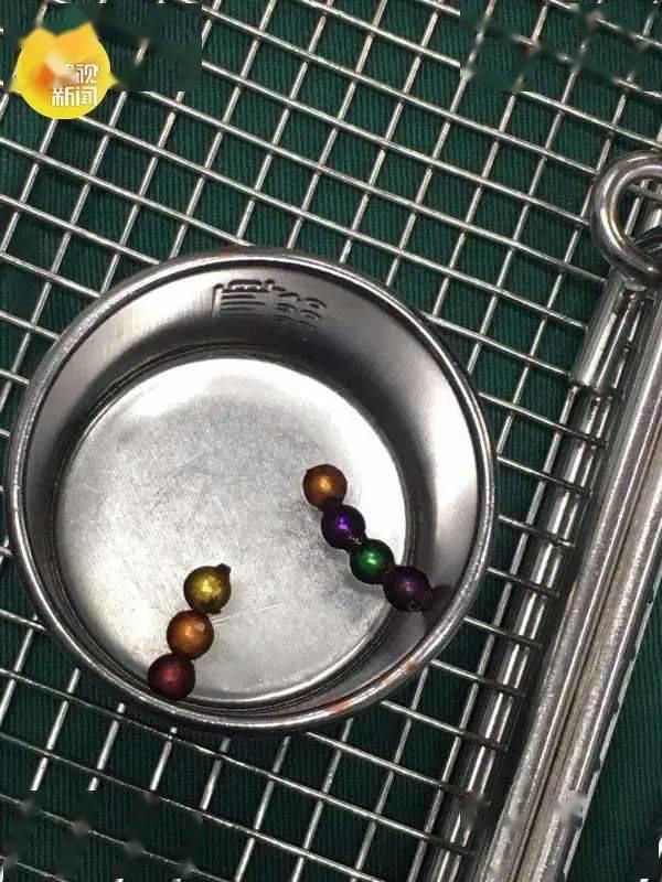 幼儿串珠子的步骤图解