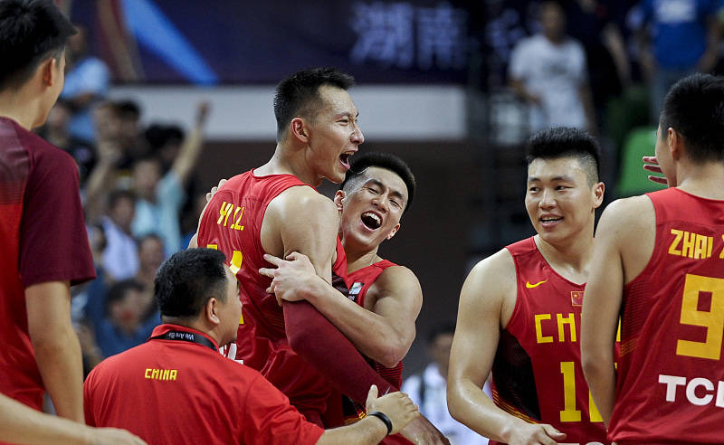 中国体育价值榜,郭艾伦为什么能力压易建联成为cba最吸金球员!