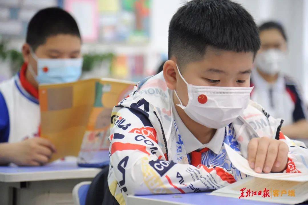 今天,哈尔滨小学毕业班和初一年级返校复课