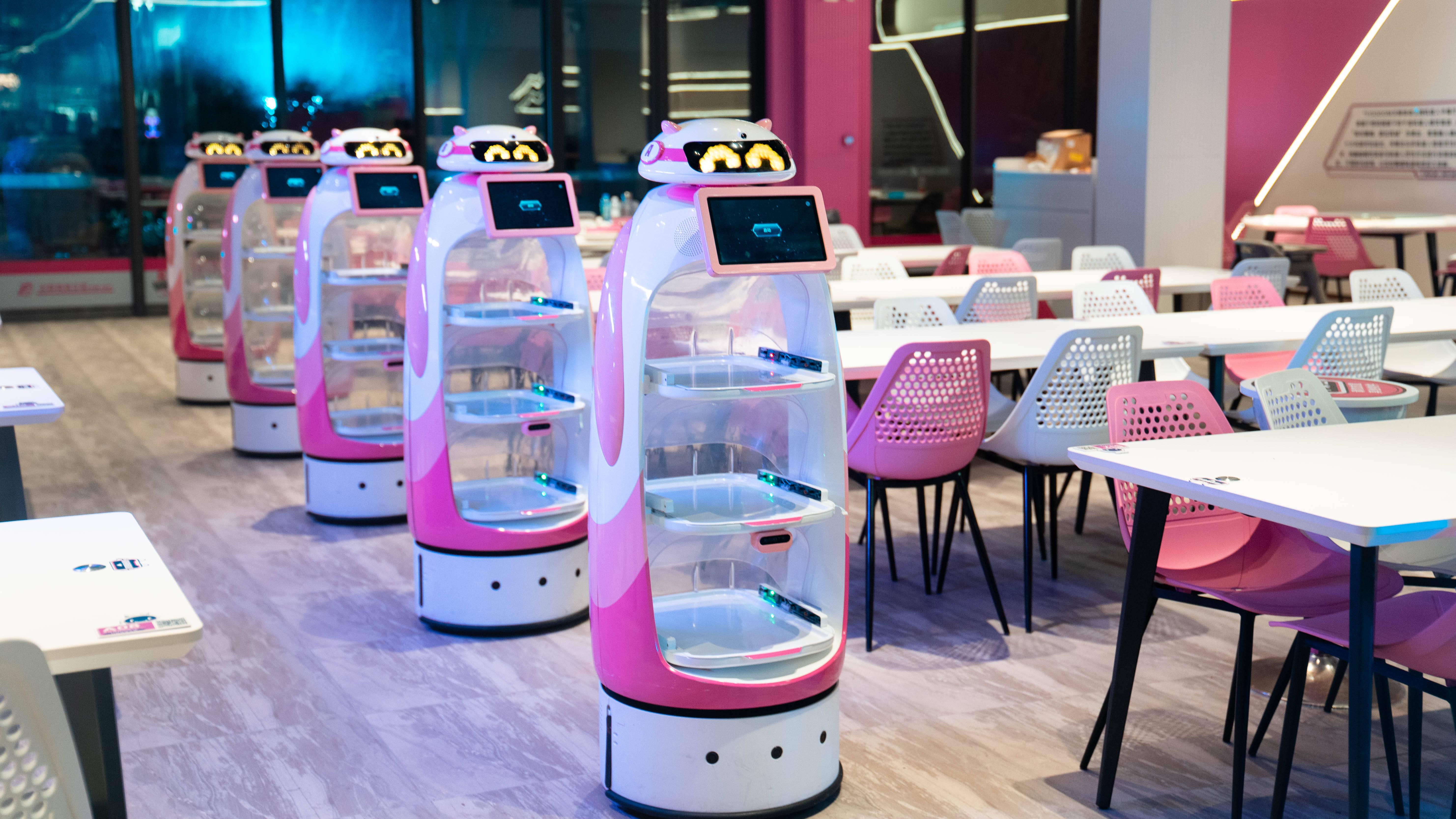 45秒一杯咖啡,半分钟一碗粉面……碧桂园机器人餐厅到底有多神奇?