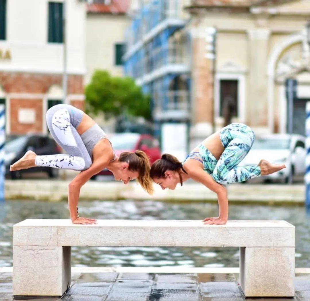 不知道双人瑜伽照怎么拍?收藏这篇文章就够啦! 减肥窍门 第26张