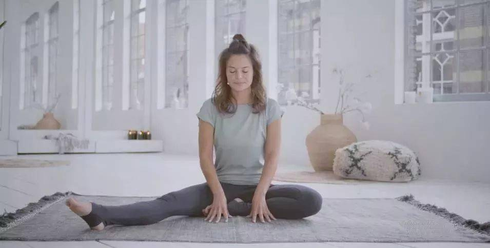 初学瑜伽,这套简单的阴瑜伽最适合了! 减肥窍门 第2张