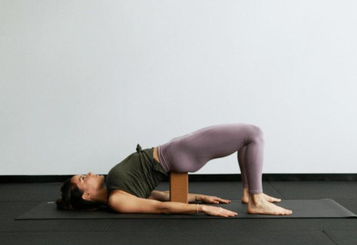 练瑜伽,没感觉?12个常见瑜伽体式,这样练超级有感觉! 减肥窍门 第17张