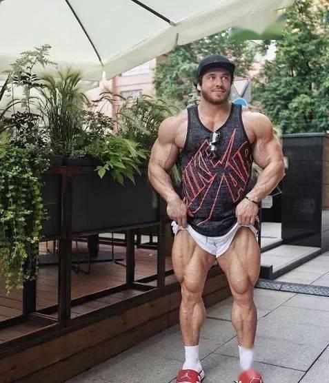 55cm臂围的肌肉硬汉,看了他的奶爸日常,我都想生娃了 初级健身 第5张