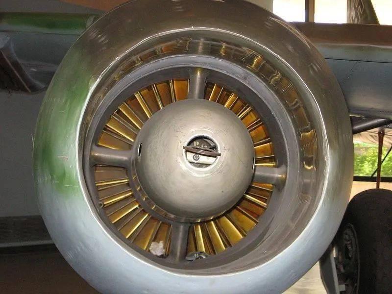 飞机辅助动力装置发展简介