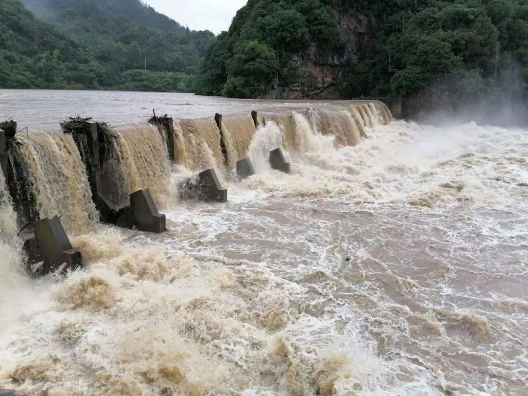 持续强降水袭来,安徽黄山、池州需做好隐患点上人员转移准备