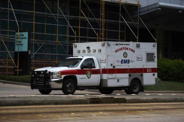 美得州新冠肺炎病例激增 医院被迫将患者转移出城