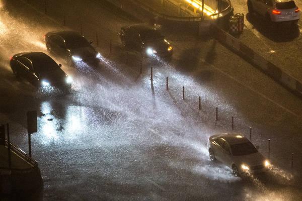 水利部:预计后期南北方都还有强降雨过程,防汛形势严峻