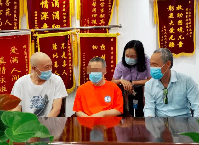 """70后""""高材生""""上海街头流浪十余年返乡 同学:曾是村里的希望 现在不敢提"""