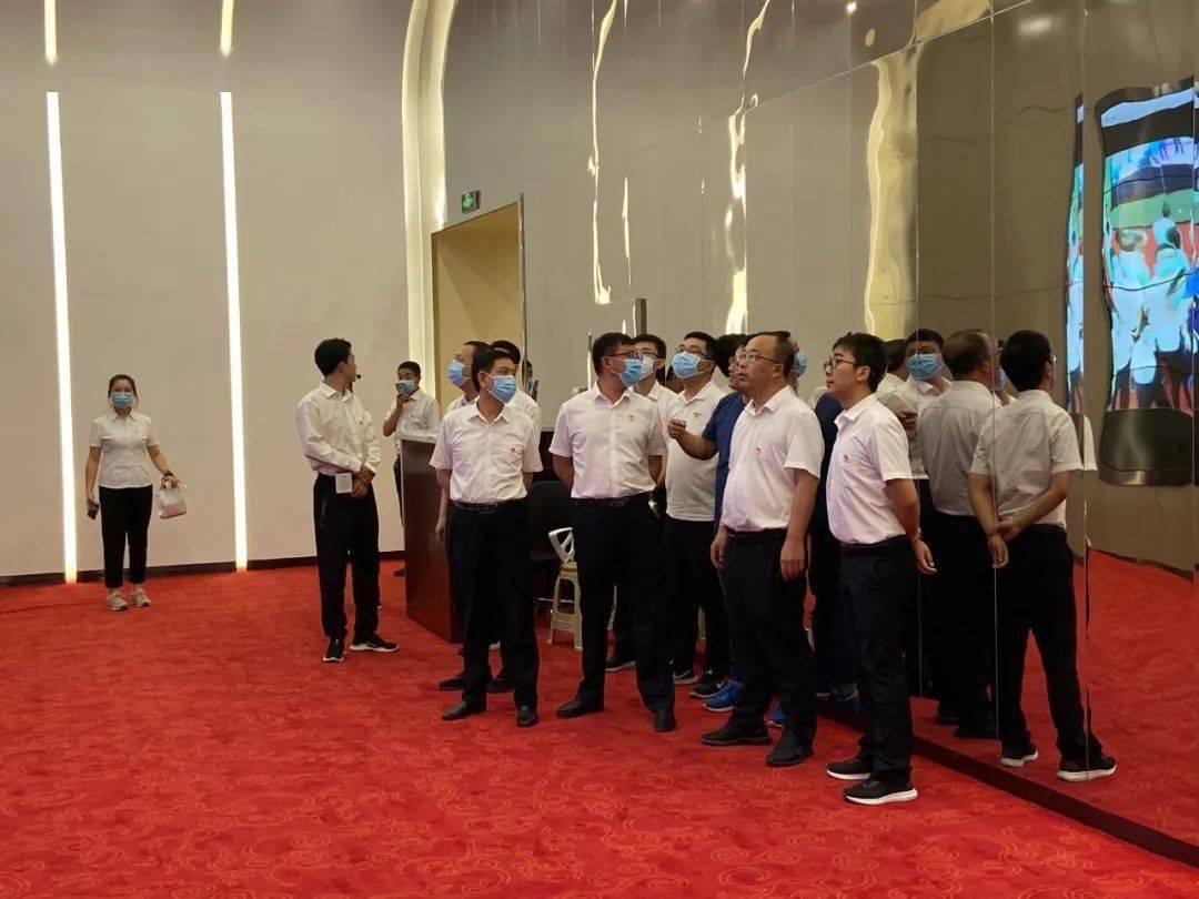 [党群运动]广灵县委组织部党员干部来到大同市党群服务中心观光学习