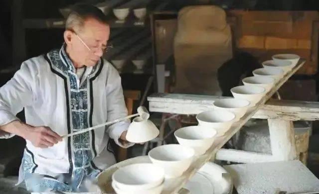 冷粉、饺子粑、油条包麻糍……这些都是景德镇人记忆中的味道!