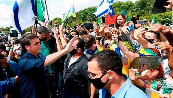 巴西总统确诊感染新冠:迟早要来的