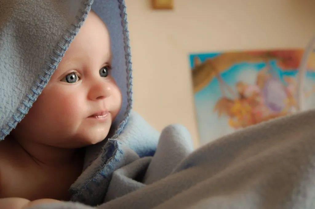 宝宝是如何断掉夜奶的?
