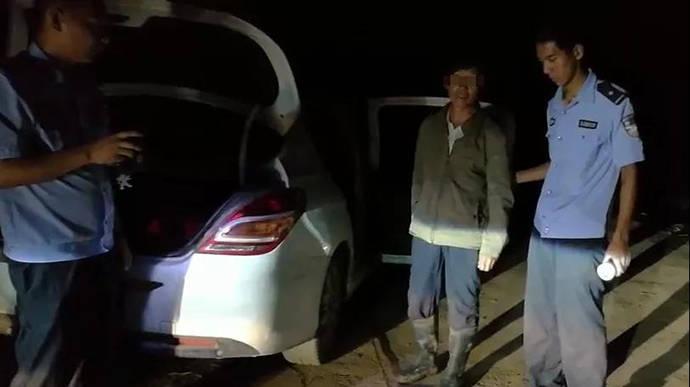 男子在河南洛阳捕捉野生壁虎 ,涉嫌非法狩猎罪被刑拘