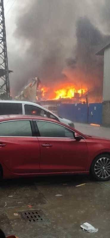 佛山顺德一物流园发生大火,幸无人员伤亡