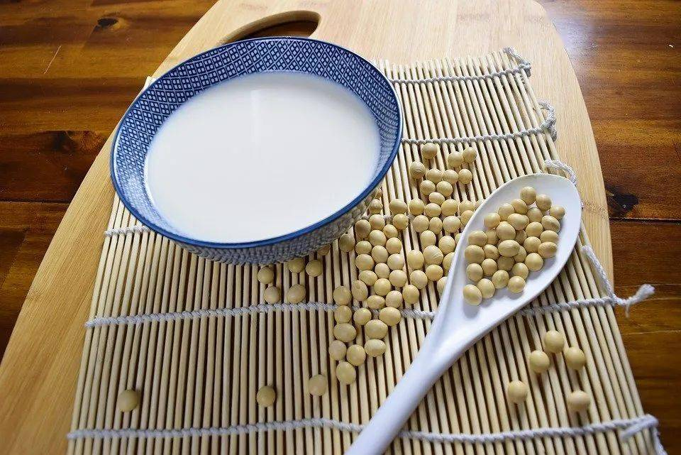 红豆养心、黑豆补肾、绿豆消暑......这6种豆,每吃一口都是赚到
