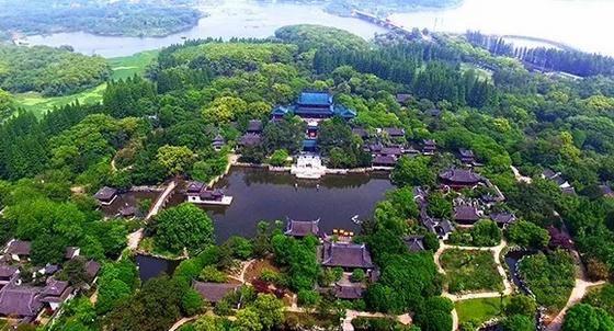 """上海大观园""""落地""""记:衔山抱水建来精,多少工夫始筑成"""