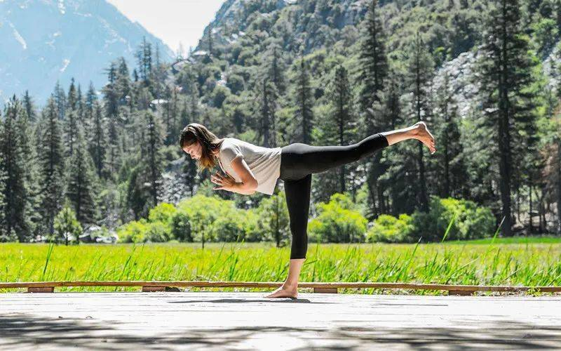 你每天练习的瑜伽体式都是标准的吗?进来看看就知道了!